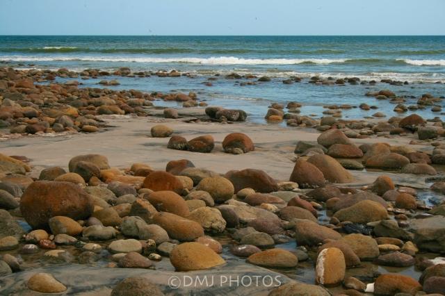 Costa-Esmerelda-rocks